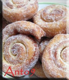 Girelle al limone......vortici profumatissimi!!! by Anto9 - Pagina 1 Beignets, Croissants, Torte Cake, Little Cakes, Sweet Cakes, Cakes And More, Italian Recipes, Sweet Recipes, Bakery