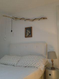 DIY Branch light.  Genial idea para luz de noche!!