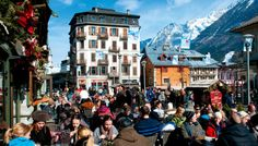 Stadskärnan i Chamonix. Skiing Snow winter STS Alpresor puder skidresa Alperna