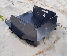 FIRE KEEPER - HAMPER CAMPER EDITION - Fire Pits, you put your fire in them Portable Fire Pits, Portable Grill, Fire Pit Grill, Fire Pit Patio, Tole Pliée, Metal Shaping, Laser Cut Steel, Cooking Stove, Fire Pit Designs