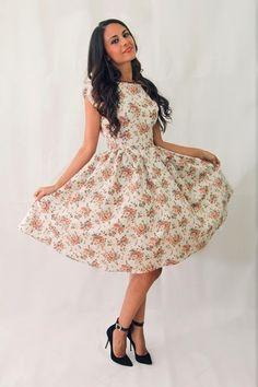 vestido floral de los años 50 del estilo años por ElaSiromascenko