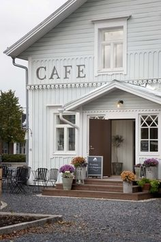 Valkoinen Puu Cafe & Shop - Kauhajoki | Osuma.fi -- (the pin via Deborah Browning • https://www.pinterest.com/pin/418060777885871530/ )