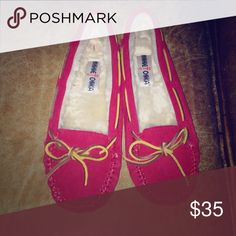 Minnetonka Red Women's 9 Moc Worn for about 1 hour not my size Shoes Moccasins