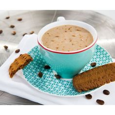 Chocolate Chip Biscuits with low sugars and a high protein and fibre content, contains artificial sweeteners. The crispy chocolate chips enhance the chocolate flavour of these biscuits. Six biscuits correspond to one serving.