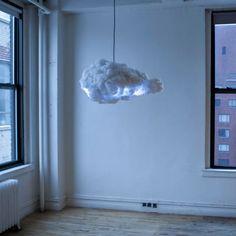 """Luminária """"The Cloud"""" cria relâmpagos e trovões, muda de cor e reproduz músicas: http://followthecolours.com.br/gimme-five/gimme-5-os-5-objetos-de-desejo-da-semana/"""