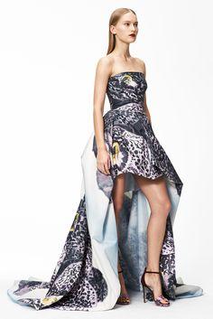 Monique Lhuillier Pre-Fall 2015 Fashion Show - Eva Berzina Love Fashion, Runway Fashion, Fashion Show, Fashion 2015, Fashion Ideas, Monique Lhuillier, Beautiful Gowns, Autumn Winter Fashion, Fall Winter
