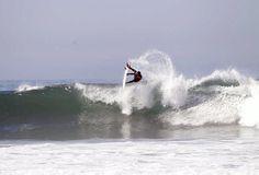 Adriano de Souza, o Mineirinho, em ação na Califórnia (Foto: ASP)