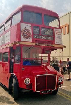 AEC Routemaster - Wikipedia London Bus, Old London, East London, Reading Buses, New Routemaster, Rt Bus, British European Airways, Bus Route, Transport Companies