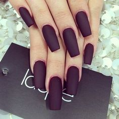 Kylie Jenners nails Nails : Laque` Nail Bar See more about kylie jenner, nails and shape Love Nails, How To Do Nails, My Nails, Fall Nails, Nails Kylie Jenner, Coffin Nails Designs Kylie Jenner, Laque Nail Bar, Nagellack Trends, Matte Nails