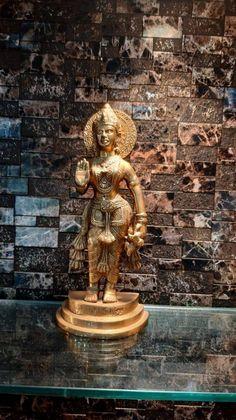 Saraswati Statue, Krishna Statue, Krishna Hindu, Hindu Deities, Great Graduation Gifts, Brass Statues, Family Gifts, Ganesha, Worship
