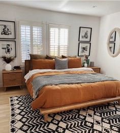 Interior Design Bohemian House Decor How To Choose Laminate Flooring For Your Home Article Body: Lam Bohemian House, Bohemian Bedroom Decor, Home Decor Bedroom, Bedroom Decorating Ideas, Bohemian Interior, Diy Bedroom, Modern Bohemian Decor, Warm Bedroom, Moroccan Bedroom Decor