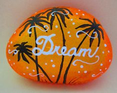 Painted Rock Ideas that will inspire you to start creating! Don't be intimidated by all the rocks you see. Rock painting ideas are perfect for beginners! Pebble Painting, Pebble Art, Stone Painting, Diy Painting, Shell Painting, Pebble Mosaic, Rock Painting Patterns, Rock Painting Ideas Easy, Rock Painting Designs