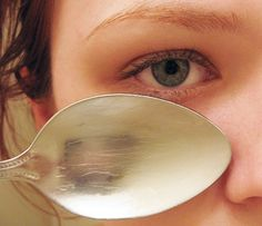 This works! Tip to remove eye puffiness: Use spoons from freezer under eyes every morning