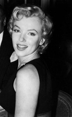 Marilyn Monroe at a press conference in London (1956)