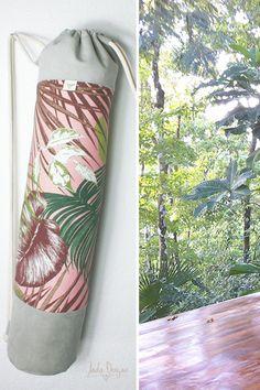 """Yogatasche """"pink jungle"""" / Yogamattentasche / Sporttasche / rosa, Dschungelblätter / vegan // Yoga Mat Bag, ultrasuede von byJadaDesigns auf Etsy"""
