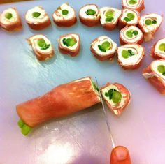 HAM & CREAM CHEESE APPETIZERS We call them Christmas Pickles and almost everyone who has them Loves them :) cool gifts for christmas, bestfriend christmas gifts diy, grandma christmas gifts diy Cheese Appetizers, Finger Food Appetizers, Best Appetizers, Finger Foods, Appetizer Recipes, Brunch Appetizers, Christmas Appetizers, Christmas Recipes, Christmas Gifts