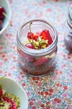 Salted milk chocolate ganache w. red berries