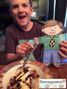 Do you know Flat Stanley? Here's a post of fun things to do with this children's book character! Recount Writing, Flat Stanley, Author Studies, Library Programs, Reading Groups, Finding Dory, Children's Literature, Homeschool Curriculum, Kindergarten Activities