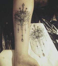 Resultado de imagem para tatuagem de mandala na panturrilha