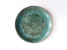 smaragd grüner Keramik Teller, Wand Deko Teller, Keramik Schale, Keramik Tablett, Wohndekor by Tanja Shpal, Tisch Deko Schale, Haus Geschenk von ceralonata auf Etsy