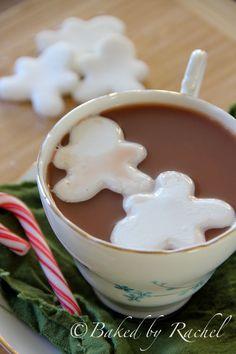 I'm thinking Valentine's day! Homemade Marshmallows - bakedbyrachel.com