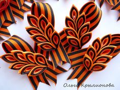 Ольга Крылионова (Павелкович) - Фото | OK.RU Christmas Cover, Kanzashi, Flower Crafts, Rosettes, Corsage, Ribbon, Knitting, Ribbon Bows, How To Make Crafts