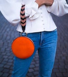 how to style a red round bag : white bluse and jeans Diy Fashion, Fashion Bags, Cristian Dior, Round Bag, Leather Bags Handmade, Leather Accessories, My Bags, Purses And Handbags, My Style