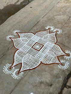 Simple Rangoli Designs Images, Free Hand Rangoli Design, Rangoli Patterns, Rangoli Designs Diwali, Diwali Rangoli, Beautiful Rangoli Designs, Indian Rangoli, Easy Rangoli, Kolam Dots