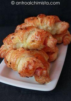 Mini Croissant di Sfoglia al Bacon - Puff Pastry Croissant with Bacon