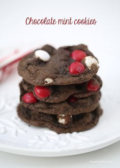 Chocolate peppermint cookies - a chewy, fudge-y cookie topped with peppermint candies. The perfect holiday cookie!: