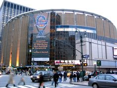 Madison Square Garden, 33rd Street and Eighth Avenue, Midtown Manhattan.  MY CONCERT HEAVEN!!!!!!!!!!