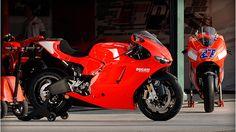 Free Ducati Desmosedici RR motorcycle wallpaper with 1024 x 768 resolution Ducati Desmosedici Rr, Ducati Motorbike, Big Girl Toys, Bmw, Toy Trucks, Bike Life, Sport Bikes, Motogp, Cool Bikes