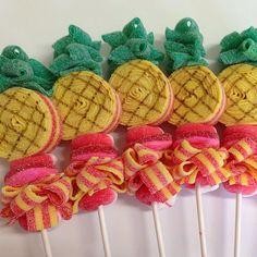 Pineapple Candy Kabobs 10 by SweetsIndeed on Etsy Birthday Treat Bags, Birthday Parties, 13th Birthday, Birthday Bash, Candy Sushi, Candy Lady, Candy Kabobs, Christmas Cake Designs, Hawaiian Birthday