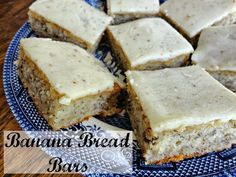Banana Bread Bars via @Verónica Sartori Miller // #banana #bananabread #recipe