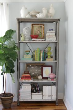 How To: Style a Bookshelf | The Lovely Cupboard