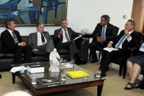 Rollemberg representa governadores em reunião de líderes no Senado - http://noticiasembrasilia.com.br/noticias-distrito-federal-cidade-brasilia/2016/02/02/rollemberg-representa-governadores-em-reuniao-de-lideres-no-senado/