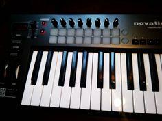 Un nuevo juguete recién llegado. Hoy no se duerme!! #novation #fb #pin #beatmaking -- Visita Pistas-HipHop.com