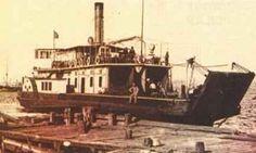 """Suhulet Araba Vapuru (Suhulet araba vapuru, Üsküdar iskelesinde… """"Suhulet"""", Çanakkale Savaşı sırasında mayın dökme ve asker taşımakta kullanılmıştı.)"""