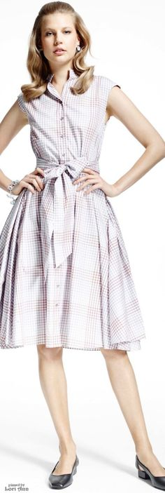 Elisabeth Erm for Brooks Brothers, Resort 2017 Preppy Dresses, Gala Dresses, Fashion Dresses, Fashion 2017, Couture Fashion, Fashion Show, High Fashion, Fall Fashion Week, Classic Wedding Gowns