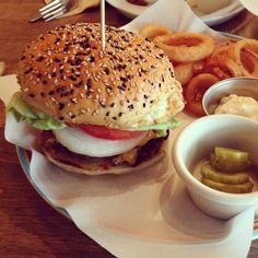 점심은 햄버거