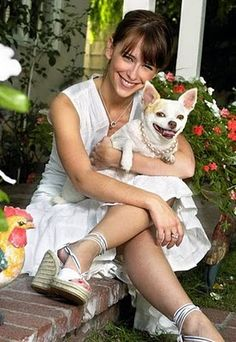 Jennifer Love Hewitt with her chihuahua