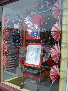 The Funky Frog, Children's Resale Boutique's Fourth of July Window 2013