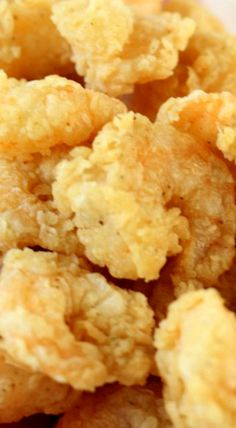 Easy Popcorn Fried Shrimp - This recipe has the key to getting that light, tender, and flaky crust on shrimp! Fried Shrimp Recipes, Best Seafood Recipes, Shrimp Dishes, Salmon Recipes, Fish Recipes, Seafood Dinner, Fish And Seafood, Seafood Meals, Recipes