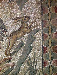 Photos of the small hunt room mosaics at the Villa del Casale, Piazza Armerina, Sicily. Stone Mosaic, Mosaic Art, Fresco, Ancient Pompeii, Ancient Artefacts, Mosaic Animals, Italy Art, Roman History, Roman Art
