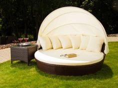 ogrodowe łóżko z baldachimem