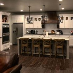 Are you looking for rustic kitchen design ideas to bring your kitchen to life? I have here great rustic kitchen design ideas to spark your creative juice. Kitchen Decorating, Home Decor Kitchen, Home Kitchens, Kitchen Interior, Kitchen Themes, Dream Kitchens, Farm House Kitchen Ideas, Design Kitchen, Condo Kitchen