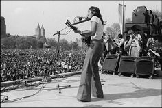 Joan Baez at the War is Over Rally in Central Park, May 1975.(Photo by Allan Tannenbaum.)