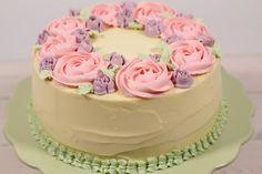 Såg ni finalen i Sveriges Mästerkock? Då vet ni att Catarina König vann med denna finaltårta, eller Catarinatårta som den kallas. En tårta med citronbottnar, fylld med passionscurd och hallonmousse…