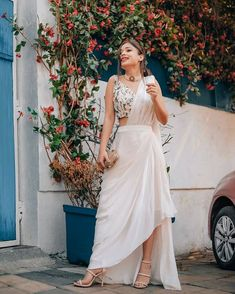 Indian Fashion Dresses, Dress Indian Style, Indian Designer Outfits, Saree Fashion, Bollywood Fashion, Indian Wear, Stylish Sarees, Stylish Dresses, Indian Wedding Outfits