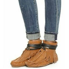 Women's Free People moccasins Women's Free People moccasins.  Size 7.5. Brand new. Never worn.   Soft leather moccasins featuring a rounded toe and fringe detailing. Wrap leather strap with metal accents. Treaded sole. Free People Shoes Moccasins